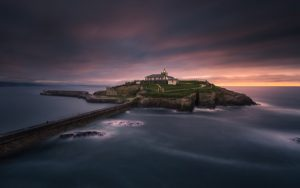 Faro Isla de Tapia - Tomasz Raciniewski